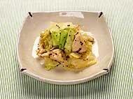 キャベツと鶏ささみの粒マスタード炒め